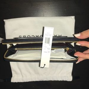 Marc Jacobs Bags - Marc Jacobs Recruit Ladies Wallet
